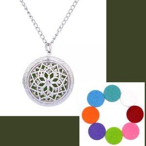 Jewelry - Aromatherapy Flower Locket Necklace